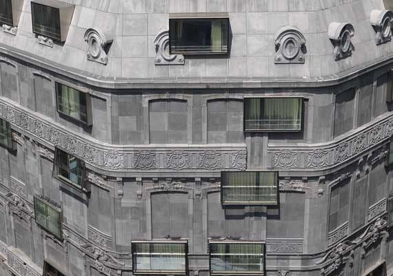 FOUQUETS facade